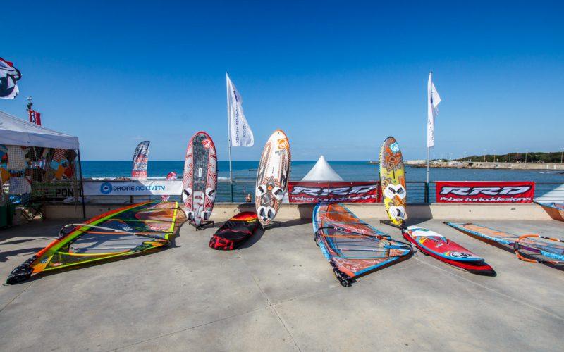 (Centro Windsurf 3 Ponti Livorno- foto Andrea Dani)